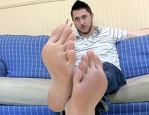 perving-on-jasons-feet